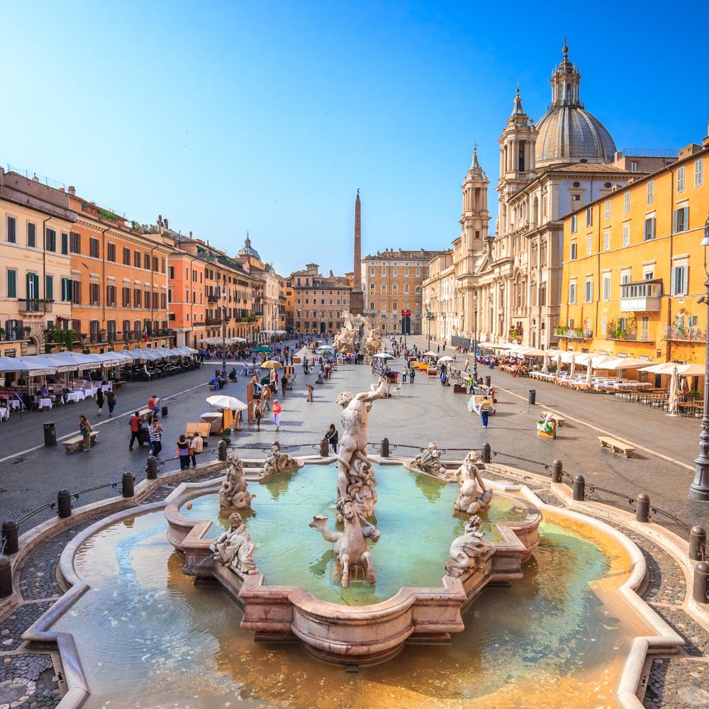 d011a353b8ae Годы не властны над итальянской столицей, этот город всегда будет «под  стать» новому времени, несмотря на руины и преемственность старины.